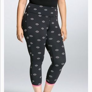 Torrid Active wear kiss leggings